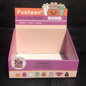 FREE Display Pusheen Box with any order add to bun